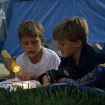Acampamentos de verão para crianças no exterior para aprender outro idioma