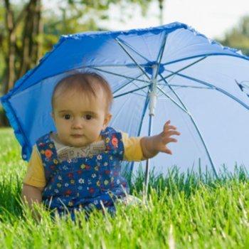 Proteção solar para bebês. Medidas protetoras