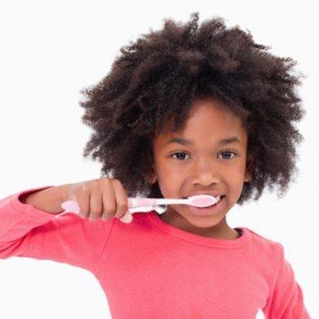 Como evitar o mau hálito das crianças