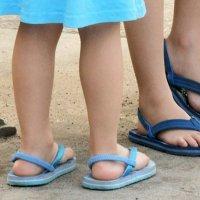 Como prevenir os fungos nos pés das crianças