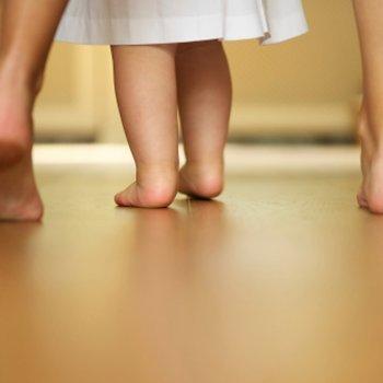 6 conselhos para ajudar o bebê a andar
