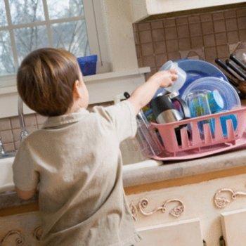 Como as crianças podem ajudar nas tarefas de casa