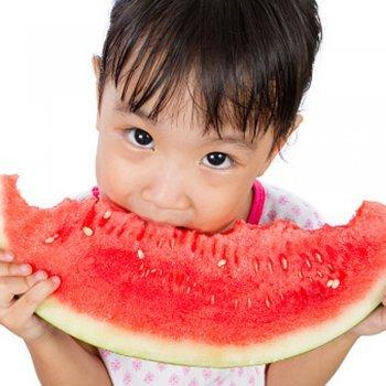 Os benefícios das frutas para as crianças