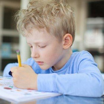 10 curiosidades que você não sabia sobre as crianças canhotas