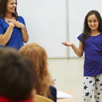 Dicas para ensinar a criança a falar em público