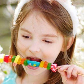 Como os conservantes e corantes alimentares afetam as crianças