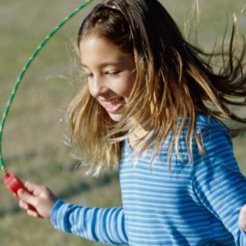Benefícios de pular corda para as crianças