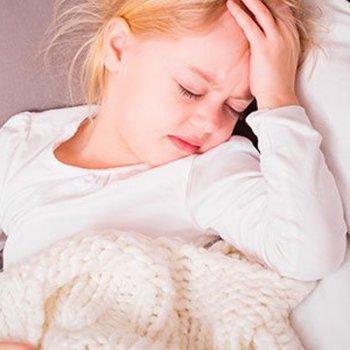 Sintomas e tratamento do tétano em crianças
