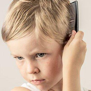 Por as crianças têm redemoinhos no cabelo
