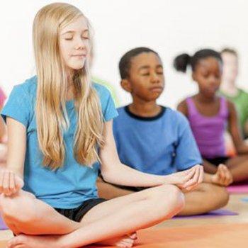 O Jogo do Silêncio de Montessori para as crianças