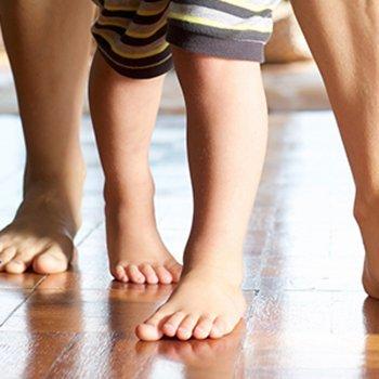 As 9 anomalias mais frequentes nos pés das crianças