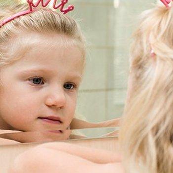 Como ensinar as crianças a aceitarem a si mesmas