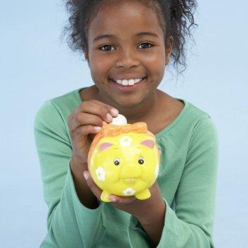 Como ensinar a criança a poupar dinheiro