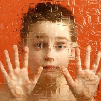 O que é o autismo. Sintomas e causas do autismo infantil