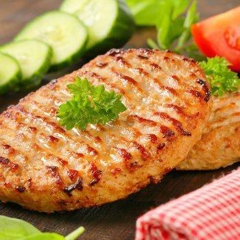Hambúrguer de frango caseiro. Receita fácil e rápida