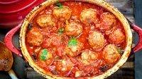 Receita de almôndegas de frango com molho de tomate para crianças