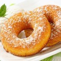 Donuts caseiros. Receita para a merenda das crianças