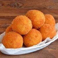 Croquetes de queijo. Receita fácil para o lanche das crianças